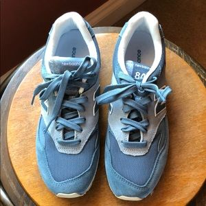 New Balance sneakers. Style 840. Blue color.